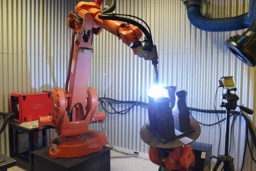 TiDA Ltd.'s robotic welding 3D-printing system in action
